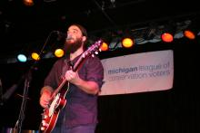 Seth Bernard at Earth Tones Benefit Concert