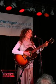 Anne Erlewhine performs at Earth Tones